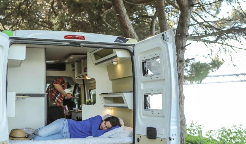 Autocaravana FREEDOM – 2 Passageiros cheio